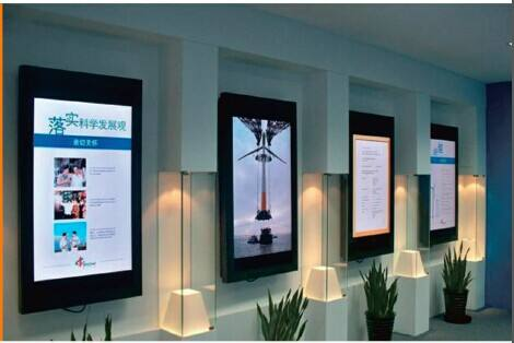 容仁液晶广告机选择单机版还是选择网络版